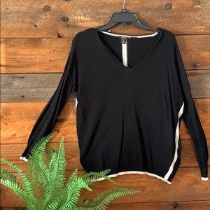 Buffalo Ladies long sleeve sweater
